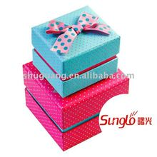 2 color dots printing gift paper box set with ribbon bow