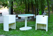 New listed Modern Wicker Table and Wicker Chair Garden Furniture sets small size