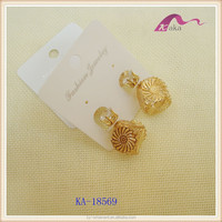 Fashion jewelry double gold stud earrings hollowed floret earrings for vogue ladies