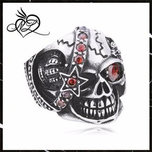 Top Sell Mens Casting Enamel Gothic Biker 316L Stainless Steel Skull Ring with Ruby
