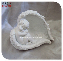 hot sale little resin angel sleeping in wings for home decoration