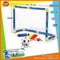 el objetivo de fútbol de juguete de los niños de juguetes al aire libre