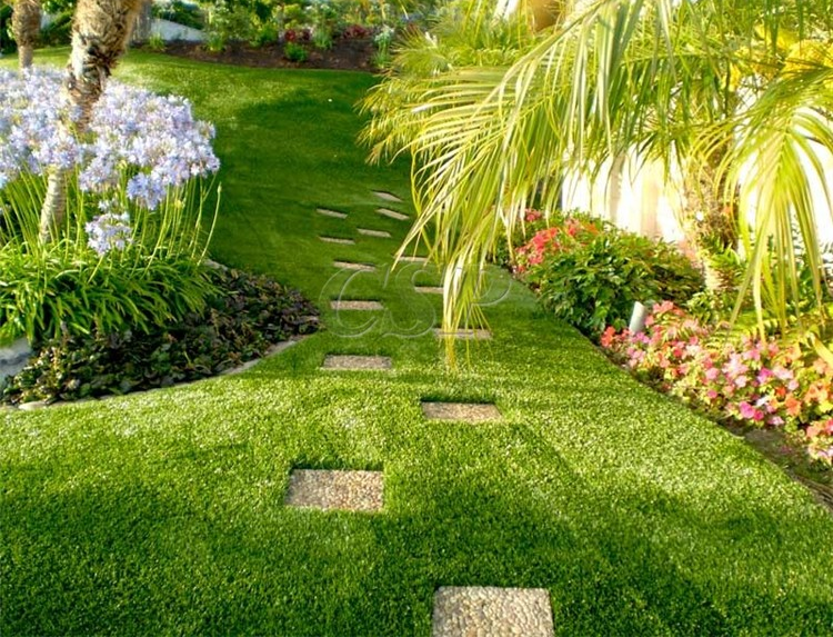 Cesped artificial para jardin cesped artificial with for Chino el jardin