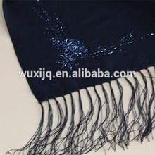 Bufanda de lana negro Fringe Poncho gratuito rebordear patrones
