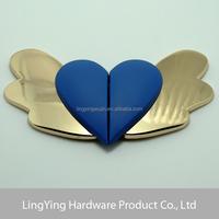 Lady elegant heart shape side release buckle with wings