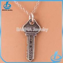 Fashion popular key to success pendant jewelry silver vintage key necklace