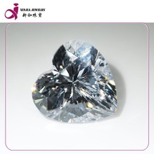Synthetic cz white heart shape gems