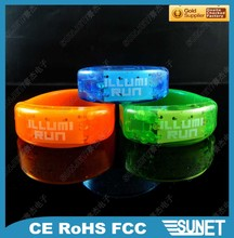 China low cost glow in the dark party item bracelet acces event