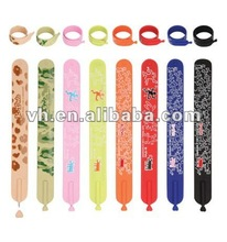 2012 new design fashion slap bracelet with ball pen