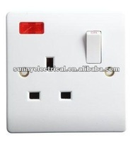 British Style Bakelite Whitewireless remote control socket and switch