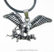China factory direct custome made stainless steel eagle bug charm pendant necklace