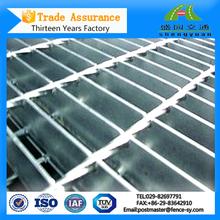 Galvanizado en caliente por inmersión antideslizante serrado bearing barra de acero rejas