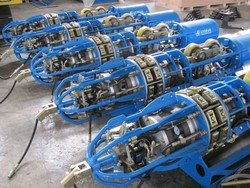 internal pneumatic line up clamp for gas or oil pipeline construction