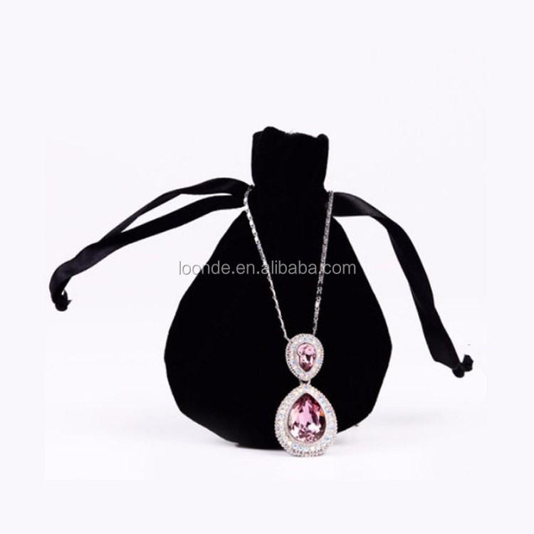velvet necklace bag (2).jpg