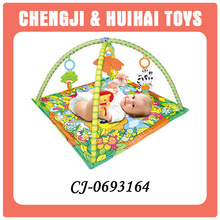 Attractive comfortable cotton baby play gym mat with music