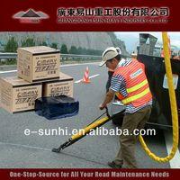 TE-I pavement crack sealing