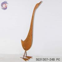 Metal garden art decorative with rusty garden goose statue