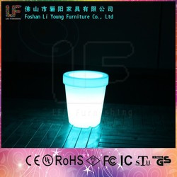 Foshan High Quality with Polyethylene Material Plastic Flower Planter Wholesale New Design RGB Colorful Illuminated Flower Pots