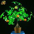 bonsai llevado para la decoración casera