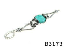B3173 Lucky Charming Round Shaped Blue Stone with Flower Bracelet