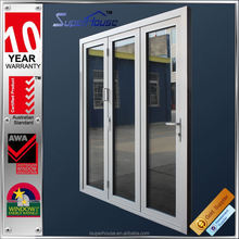 Heat insulation exterior or interior accordion folding door without fly net
