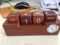 hot selling wood calendar gifts with colock for office use