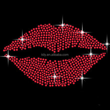 2015 newest and hot sale Red Lips Kiss Iron On Hot fix Gem Crystal T-Shirt Motif