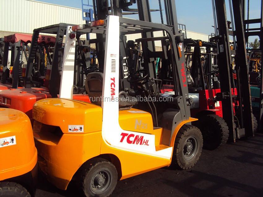 تستخدم رافعة شوكية tcm ديزل طن 2.5، 3 طن، 3.5 طن، 5 طن، رافعة شوكية tcm للبيع fd25