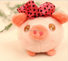 OEM designs high quality package the bouquet hang han edition cartoon pig pendant of couples