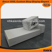 Kaierda -clothing shop windows display table