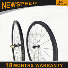Hot sale superlight 38 chinese carbon wheel set, Novatec bearing/basalt brake surface/1320g
