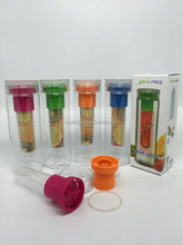 Wholesale fruit infuser water bottle ,Tritan fruit water bottle infuser , BPA free 700ML