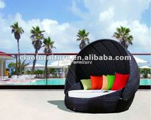 2013 Newest Design UV-resistant Patio Black Round Rattan Sun Bed