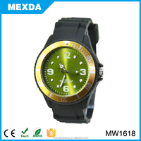 Man Fashion Silicone Strap Men Hand Quartz Wrist Watch