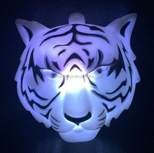 2015 hot led flashing toy tiger with ball chain necklace