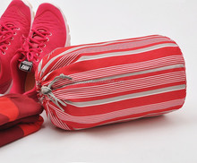 The red stripe of men and women are clothes storage bag to increase travel shoe bag shoulder bag 110g