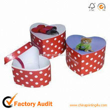 children birthday party gift box with dot
