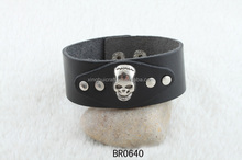 Black wide leather wristbands mens leather wrist band man fashion bracelet designs with skull