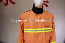 Una fuente del fabricante precisión uniformes de bomberos ropa resistente al fuego