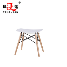 PP plastic seat with beech wood legs dining chair used for dining room