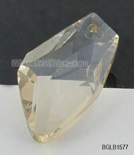 Laser engraved crystal glass pendant