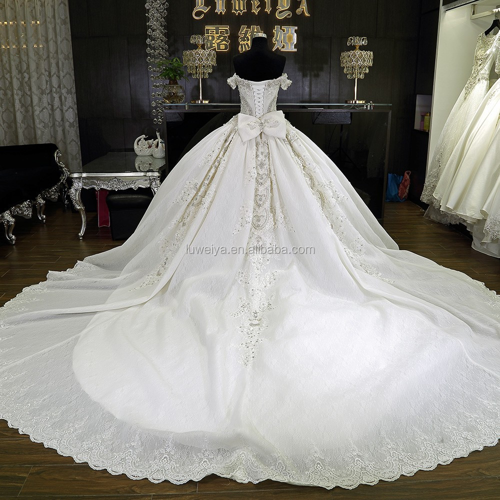 White Puffy Detachable Skirt Wedding Dress With 1.5 M Train - Buy ...
