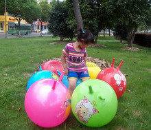 Eco-friendly pvc kids inflatable hopper ball with handle bounce ball