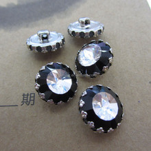 China Manufacture Crystal Rhinestones Sew On Beads Fancy Crystal Buttons For Garment Accessories