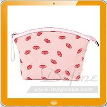 Fashion Girl Travel Make Up Cosmetic bag with lip print