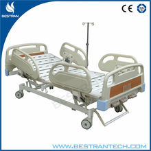 Chinese BT-AM113 three function manual medical hospital bed 3 cranks bed hospital bed wheels