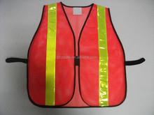 rote masche warnweste fahrbahn Warnung reflektierende weste
