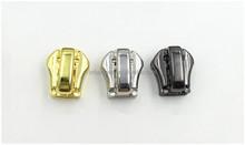 Custom hangbag button & Zipper sliders & Pullers