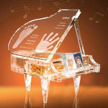 2015 new design clear crystal piano music box laser engraved for souvenir