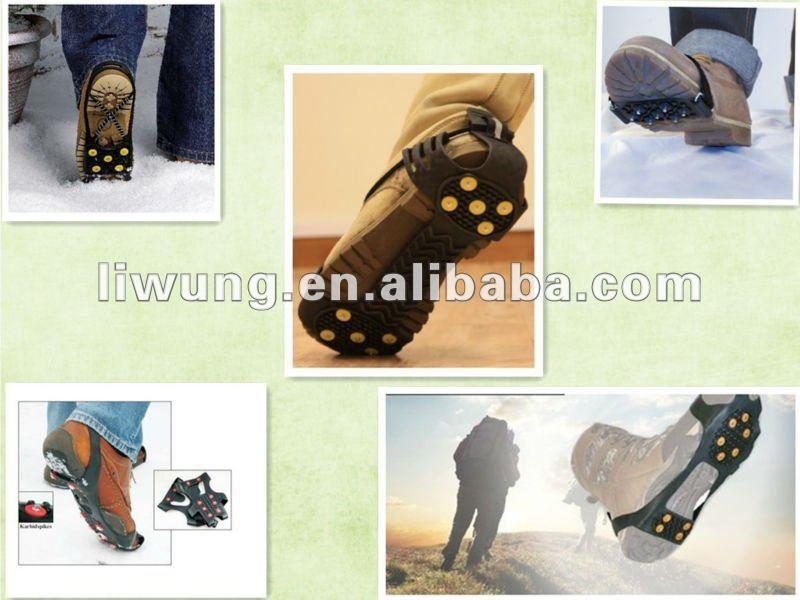 Eis/Schnee nagelt Overshoes fest